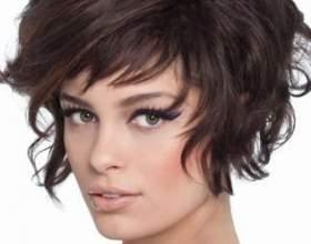 Модные стрижки для волос средней длины фото