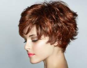 Обзор коротких стрижек для вьющихся волос фото
