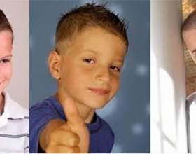 Практичные и модные детские стрижки для мальчиков фото