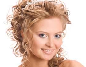 Какую стрижку на средние вьющиеся волосы можно подобрать? фото