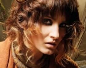 Разнообразные прически на волосы длиной до плеч фото