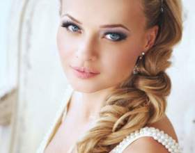 Свадебная прическа коса на бок фото